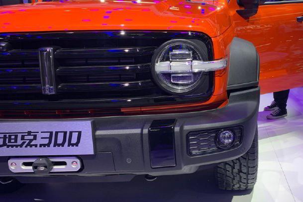 WEY展出明星车型 硬派SUV坦克300,新车将在12月上市
