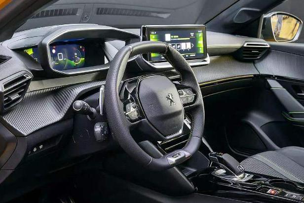 对于汽车的中控,厂家的思路你觉得合不合适呢?