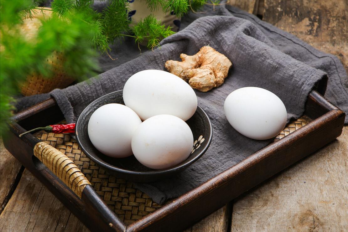 鹅蛋最接地气的做法,鲜香味美,卵磷脂含量高,孩子多吃记忆好