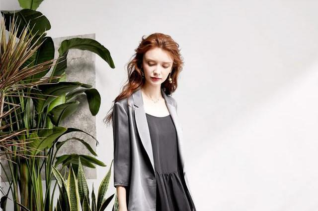 卖得比zara、优衣库贵,年收入超7亿,这个线上女装品牌要上市了