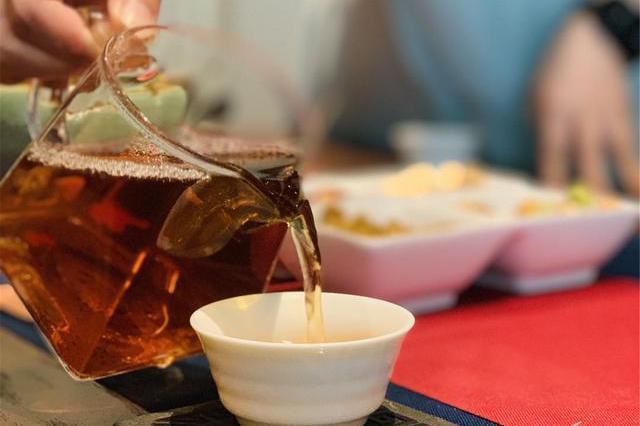 吃下午茶只是为了拍照?中国现代女性的日常,只要自己开心就好