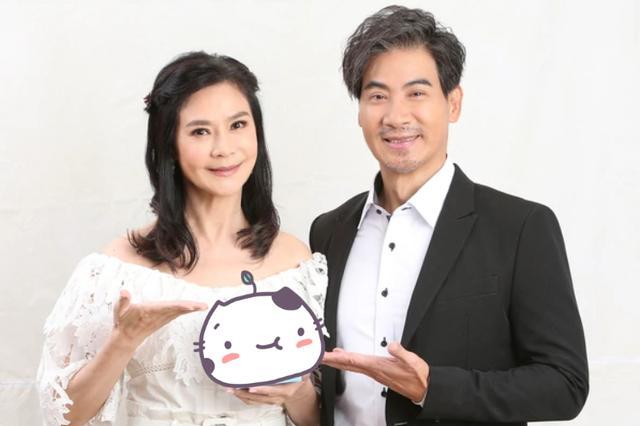 俞小凡夫妇罕秀恩爱,57岁翁家明满嘴胡渣略憔悴,曾2度背叛妻子