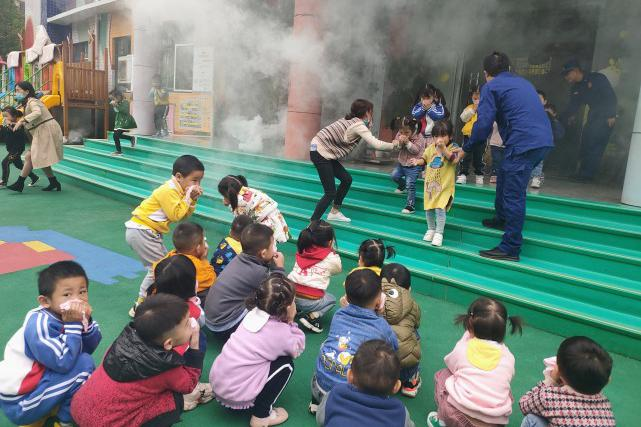 """阳新县消防救援大队:""""培训+演练"""" 双重守护幼儿消防安全"""
