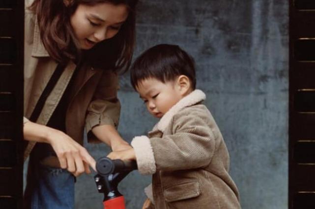 前TVB花旦罕见晒与1岁儿子合影 回巢与马国明主演新剧待播出