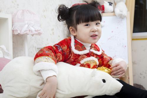 女宝宝起名:愚人节出生个福宝宝,取个福至心灵福气连绵的名字