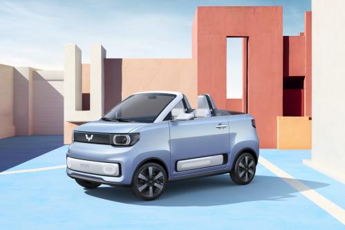 回头率爆表、将于上海车展首秀 宏光MINI EV敞篷车官图发布