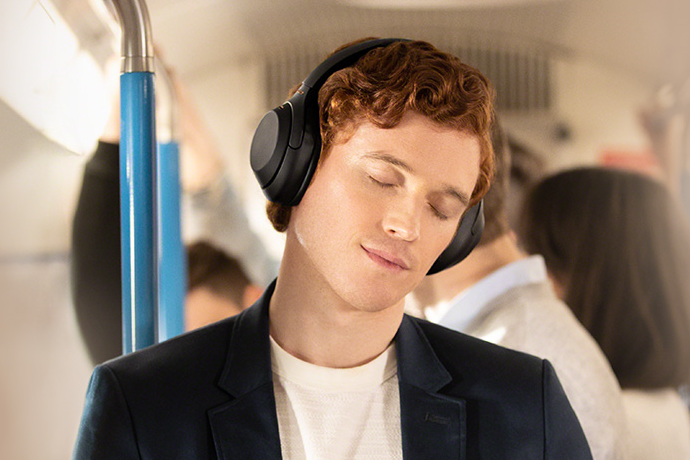 索尼发布头戴式无线降噪耳机 国内售价2899元