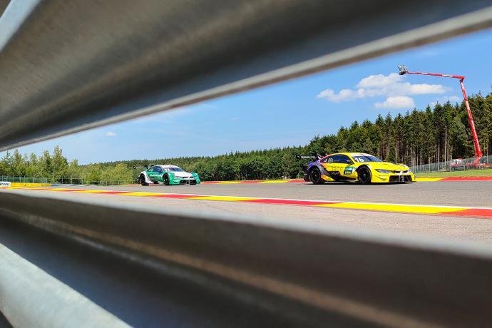 """见证性能与速度""""性能双雄"""" iQOO BMW M4 DTM赛车美图公布"""