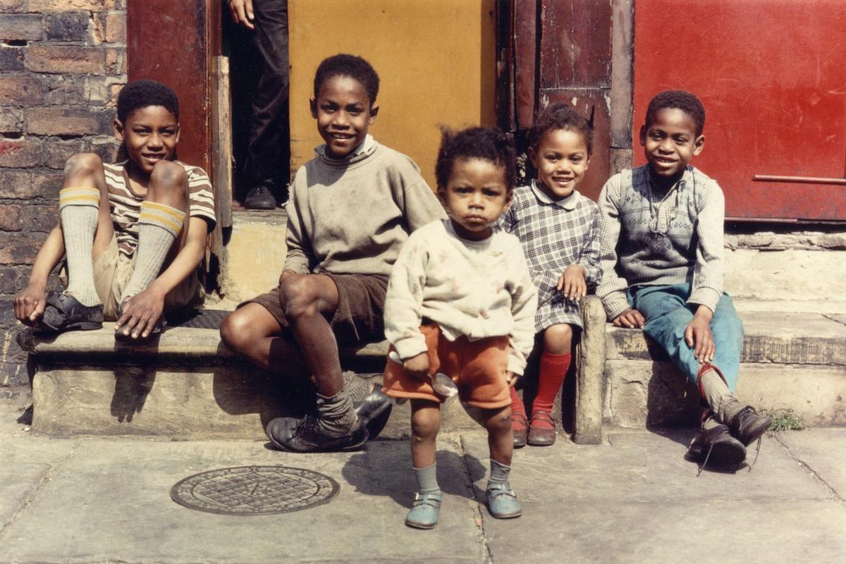 老照片 60年代英国曼彻斯特的贫民窟  真的是一贫如洗