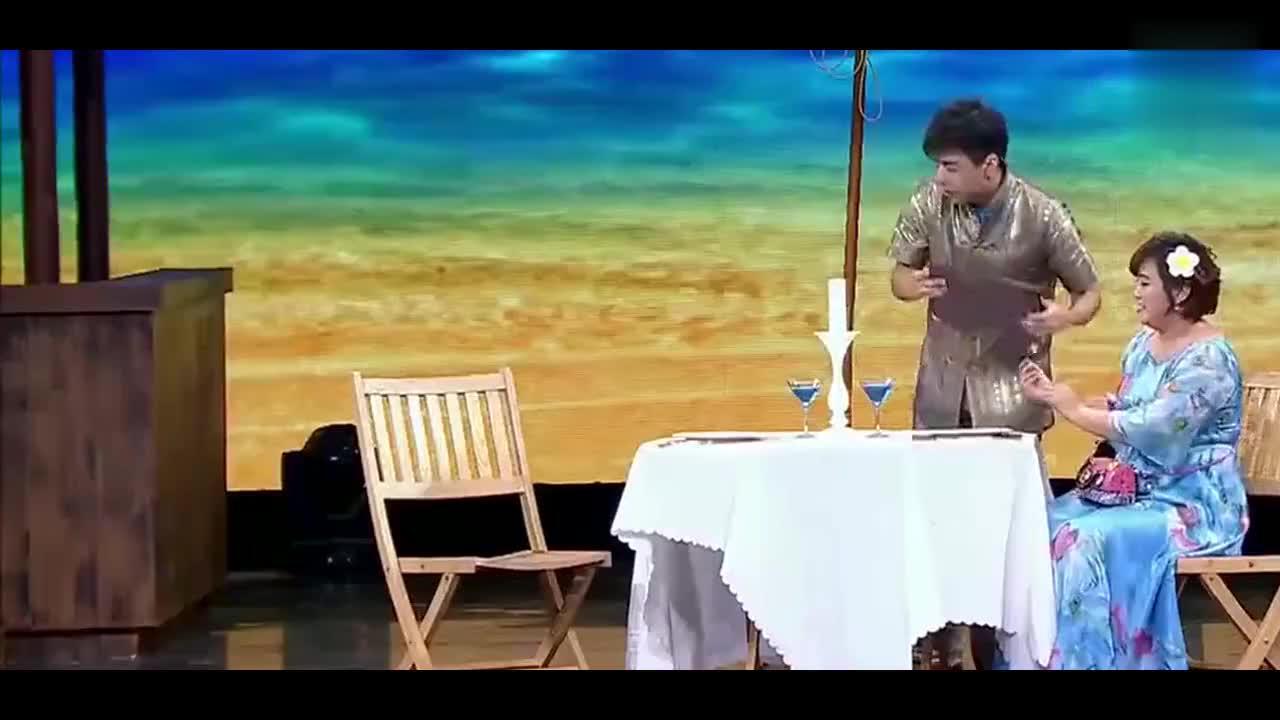贾玲进高档餐厅吃饭,点萝卜玉米汤,服务员气走