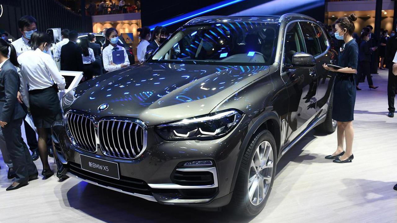 视频:新车快讯|新款宝马X5售69.99万起,配置调整,燃油、插混可选