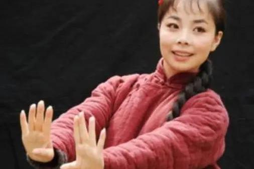"""藏了11年,王二妮""""真实身份""""曝光,她这么火是有原因的"""