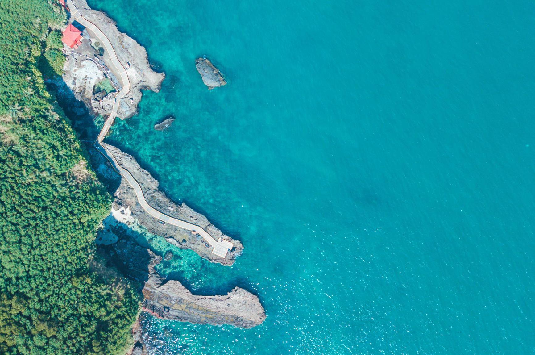 在200多万年间里,水火不相容的涠洲岛成了大海中央的世外桃源