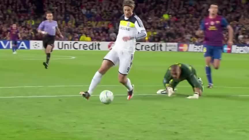 伊涅斯塔绝杀荷兰 巴萨遭利物浦逆转!细数十年足坛最伟大的进球