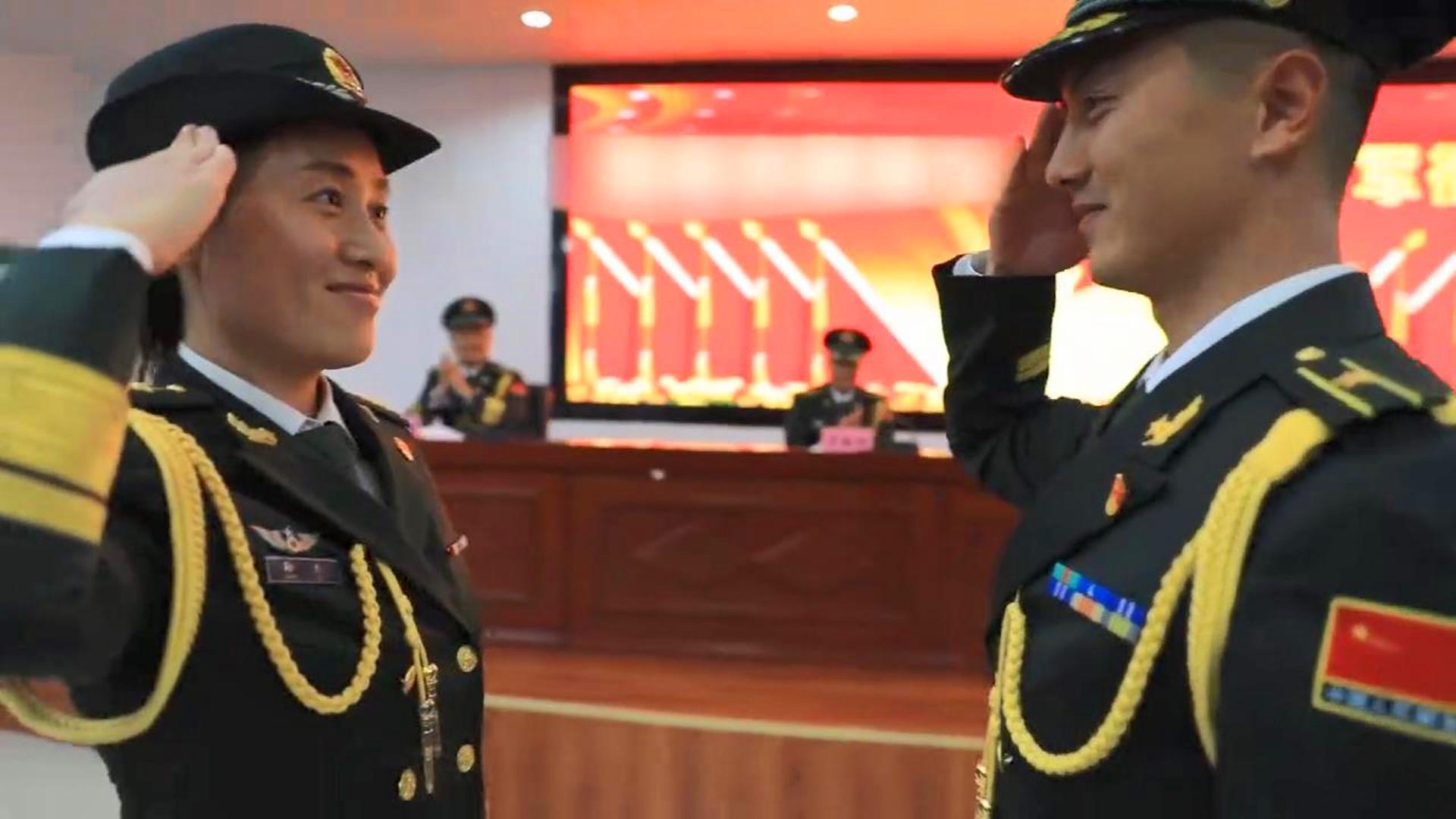 罕见!73集团军某旅夫妻一同晋升军衔,老公调少校,老婆提上尉