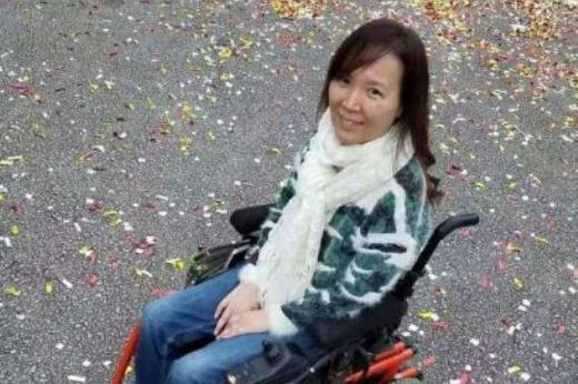 女歌手患癌去世,享年54岁!当红时遭车祸瘫痪29年以轮椅代步