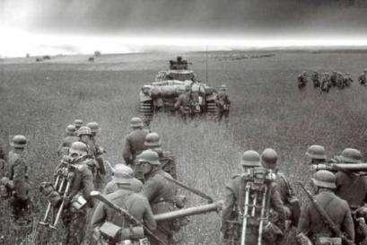 前苏联握有600万暴兵,当年中苏关系紧张,为何最终没敢南侵?