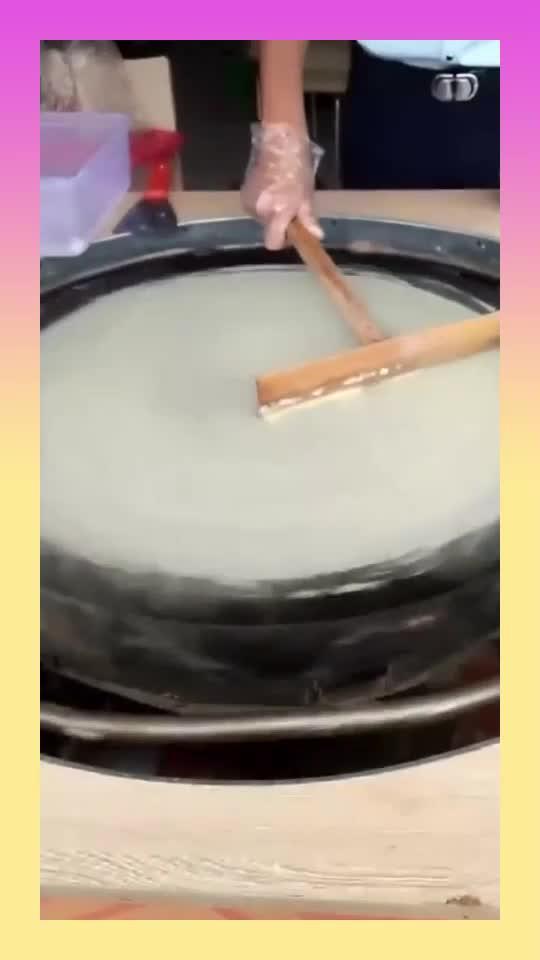 第一次看到,云南的煎饼原来是这样做的