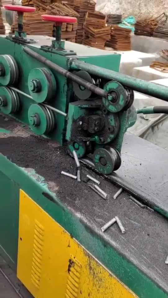 自动钢筋切段机,可设置长度,一台竟要几十万!