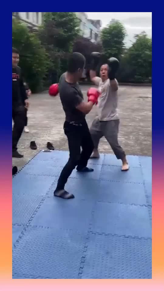 廉颇老矣尚能饭否,50岁大爷的拳击表演,真是给我上了一课!