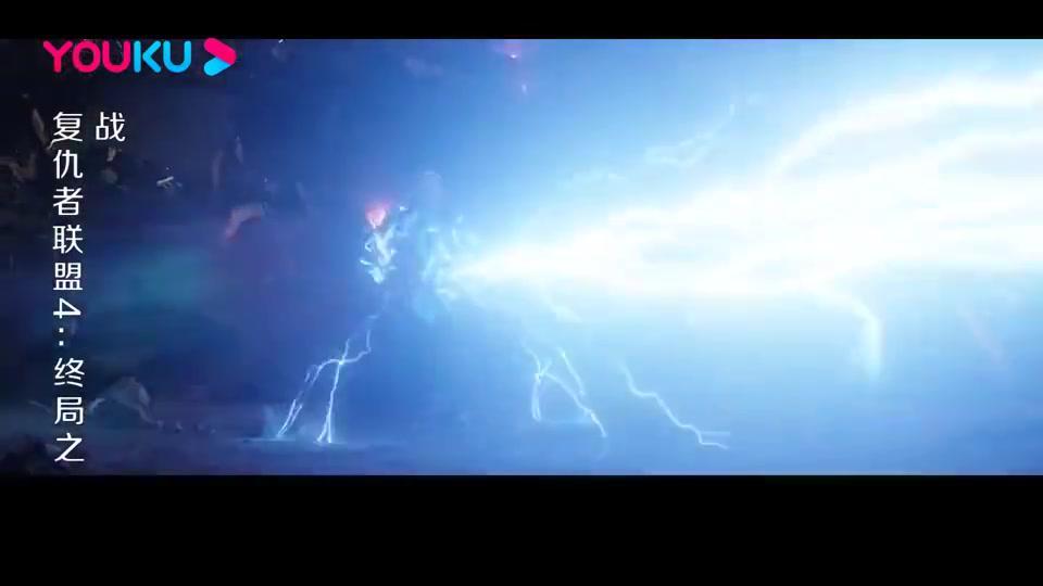 复仇者联盟:美队举起雷神锤,以凡人之躯比肩神明,太帅了