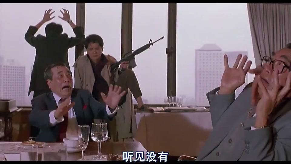 大傻哥才是西装暴徒,冲进会议室绑架富豪,开口就是五千万