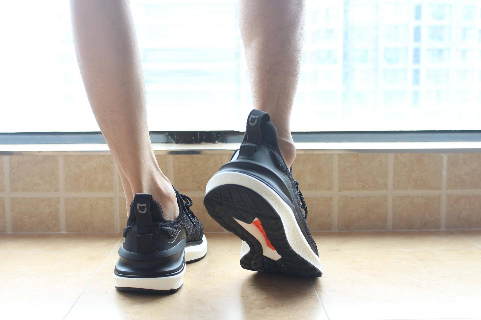 教你在小米淘夏天出行好物:米家运动鞋4+小米多功能运动休闲胸包