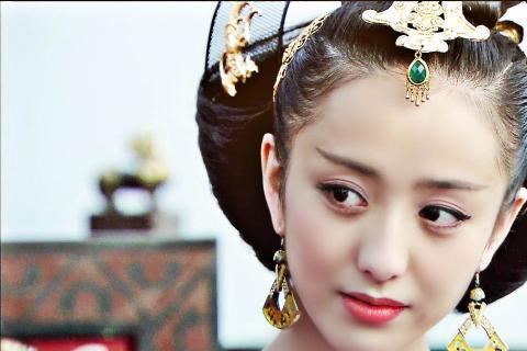 大眼睛,高鼻梁的是现代美女标配,但在古代审美的标准却是这里