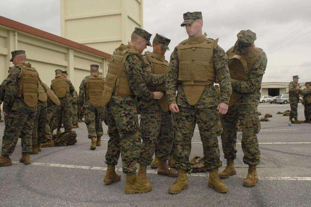 缘何美国对购枪放开管制,却对防弹衣严防死守?因为后果会很严重