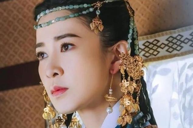 45岁佘诗曼再演少女,当看到《燕云台》剧照后,网友:确定45岁?