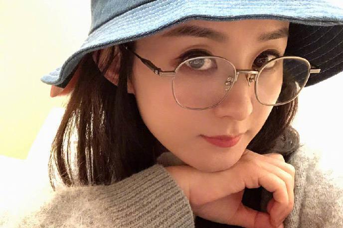 赵丽颖是通过自己的努力一路逆袭,现在低调的结婚生子复工营业