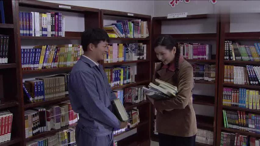 穷小子图书馆看书,被富家女砸到,一个举动直接让富家女沦陷了