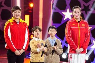 中国女排两大奥运冠军参加音乐节目录制,一人发福严重看呆网友!