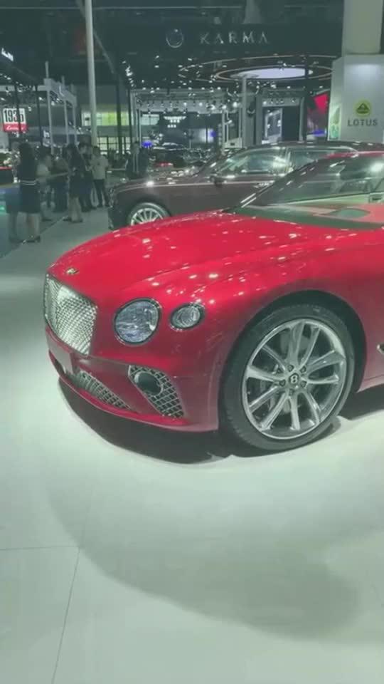 曾以为帕拉梅拉是最美双门轿跑,直到看到了宾利欧陆GT,...