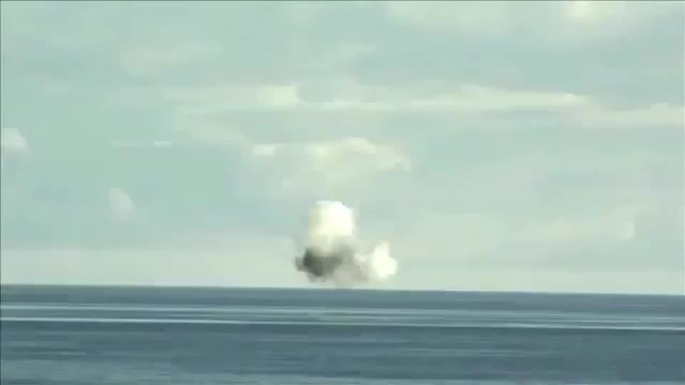 俄罗斯航母舰炮测试,这威力可真不咋地!
