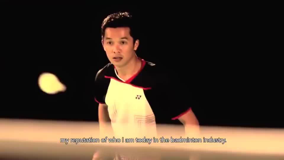 羽毛球必学技巧之:正手发小球,天王陶菲克,慢镜头示范动作要领