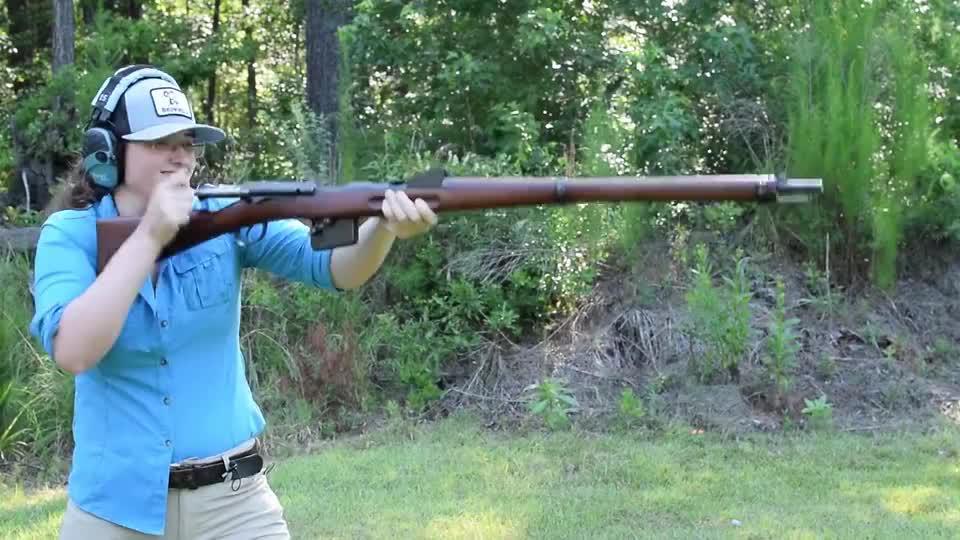 瑞士施密特鲁宾M1889直拉式步枪,弹夹压弹12发,靶场射击测试