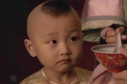 甄嬛传:剧组太粗心了,两个孩子长得像就要用一个演员?