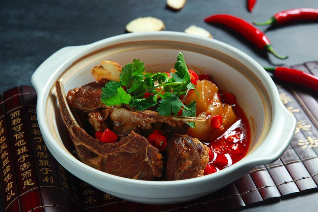 暖冬之选,巴蜀盛宴:国贸大酒店红馆推出川菜美食季