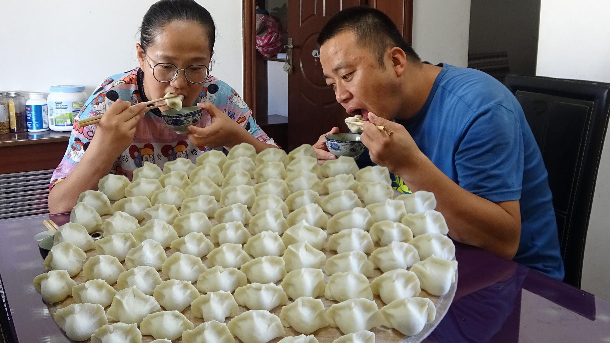 白萝卜包饺子,原来这么好吃,清热润肺增强免疫力,秋天吃最合适