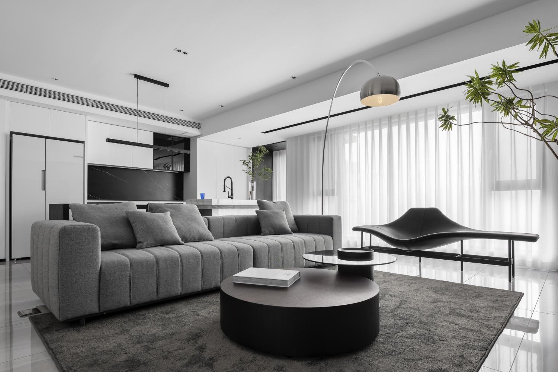 王宜哲作品:130㎡现代空间,简约黑白灰,大气而有品质的家