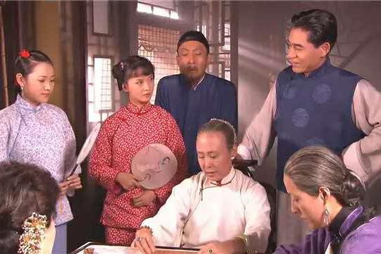 《大宅门》:杨九红为什么总是挤兑槐花,却忽略了更厉害的香秀?
