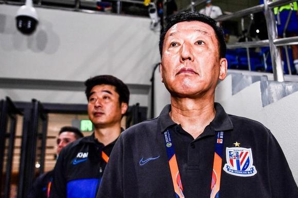 上海申花足协杯来了,国足中锋领先,崔康熙迎取胜良机