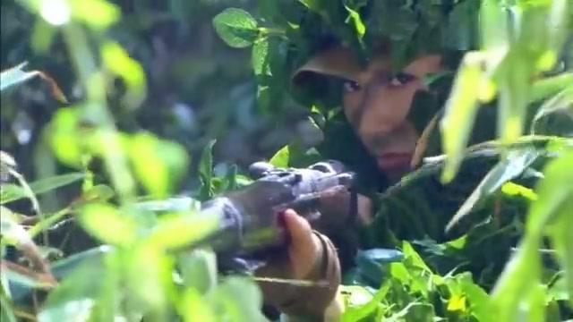 伏击:女狙击手一身吉利服,用迫击炮炸的鬼子抱头鼠窜,太霸气了