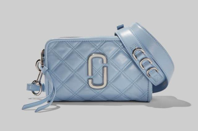 "Marc Jacobs 2020年春夏款除了相机包,这些""蓝""用在包上也很美"