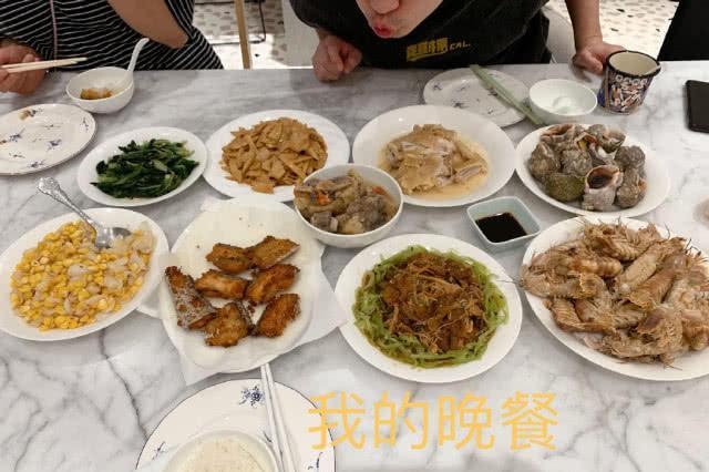 张子萱晒日常饮食,处于哺乳期的她饭量惊人,陈赫一脸吃货相抢镜