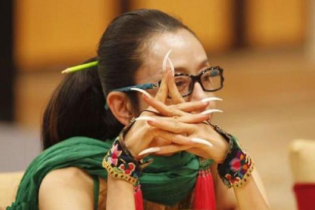 最美舞蹈家杨丽萍:过着慈禧般的生活,20年从不自己动手吃饭洗脸