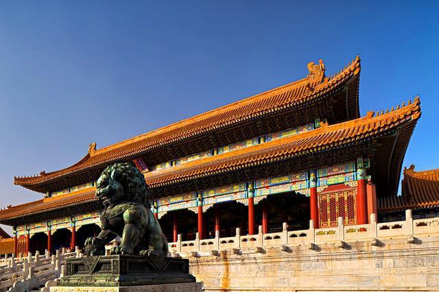 西方国家不理解,中国为何要彻底推翻君主制?专家:都是血的教训
