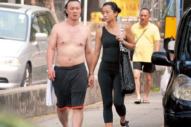 """徐濠萦穿泳装瘦成""""纸片人"""",小腿细的堪比竹竿,比陈奕迅轻54斤"""