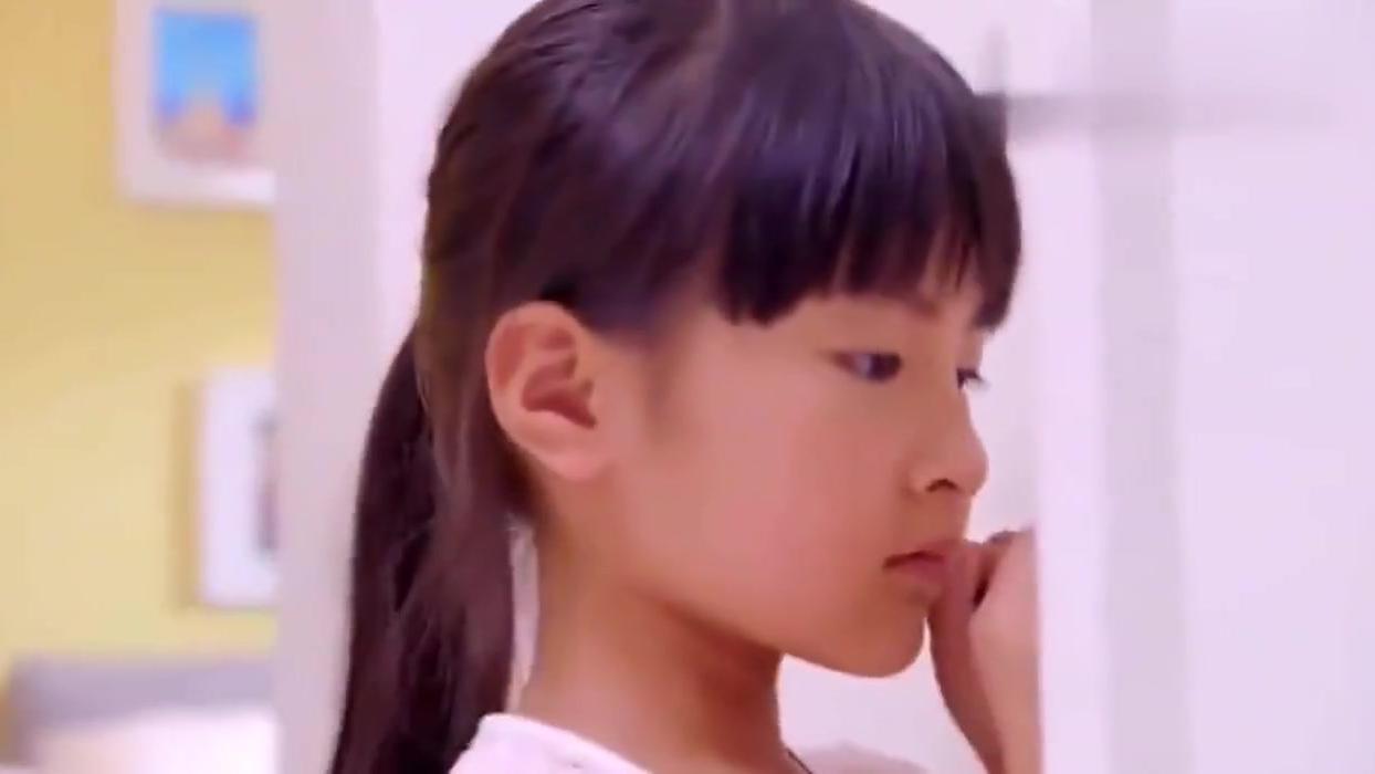 继父把妈妈关房间毒打,女儿偷偷给亲爹打电话